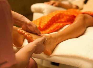 Массаж стоп: особенности и нюансы этого вида массажа