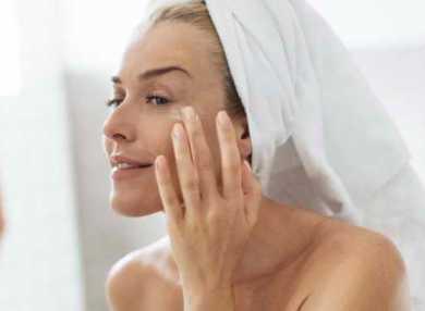 Уход за кожей вокруг глаз: очищение, увлажнение, маски