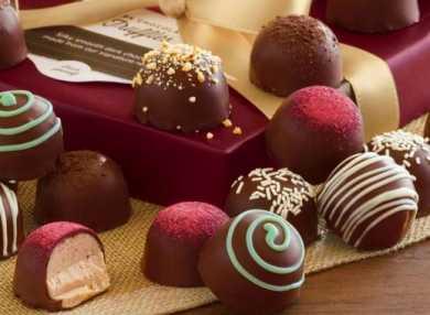К чему снятся конфеты: сонник