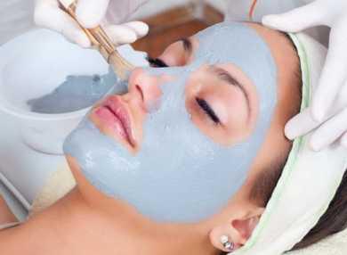 Лучшие рецепты очищающих масок для лица в домашних условиях с фото и видео