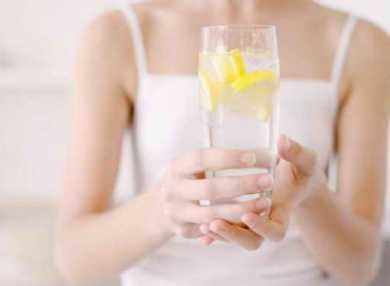 Вода с лимоном для похудения: польза, как пить