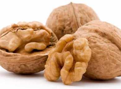 Грецкие орехи: их полезные свойства и помощь в похудении