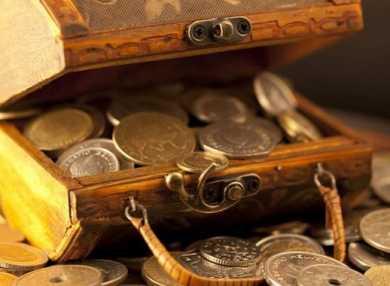Как читать лучшие заговоры на деньги в домашних условиях