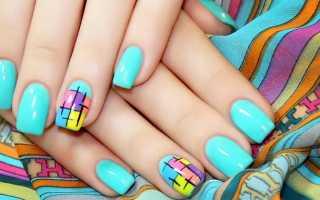 Актуальный дизайн для голубых ногтей с видео и фото