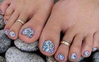 Актуальный дизайн для ногтей на ногах с видео и фото