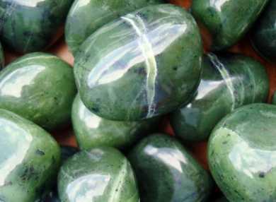 Камень нефрит, его магические свойства и кому он подходит по знаку зодиака