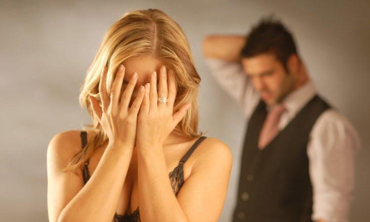 Низкая совместимость Рака и Козерога в браке заставит обоих партнеров страдать.