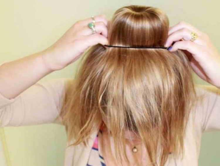 прическа с бубликом на длинные волосы видео