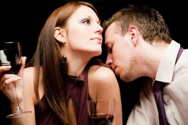 Узнайте, что такое феромоны в духах и как они действуют.