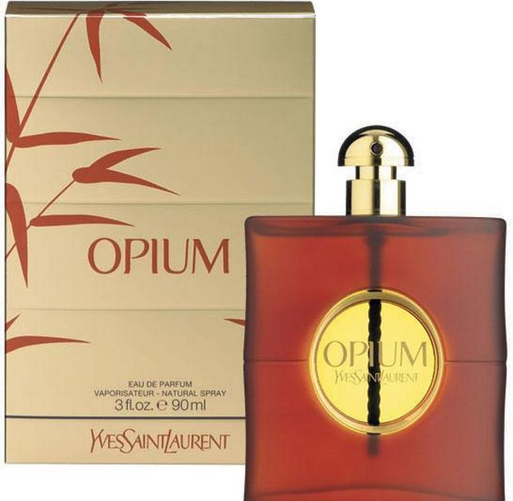прочтите не только описание аромата духов Черный Опиум, но и других парфюмов из модной линейки.