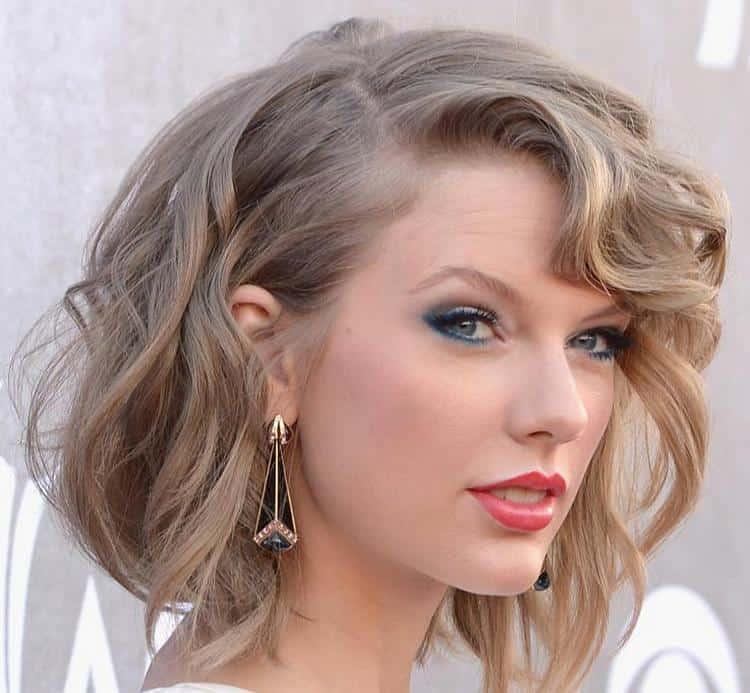 Короткие волосы можно также накрутить по всей длине.