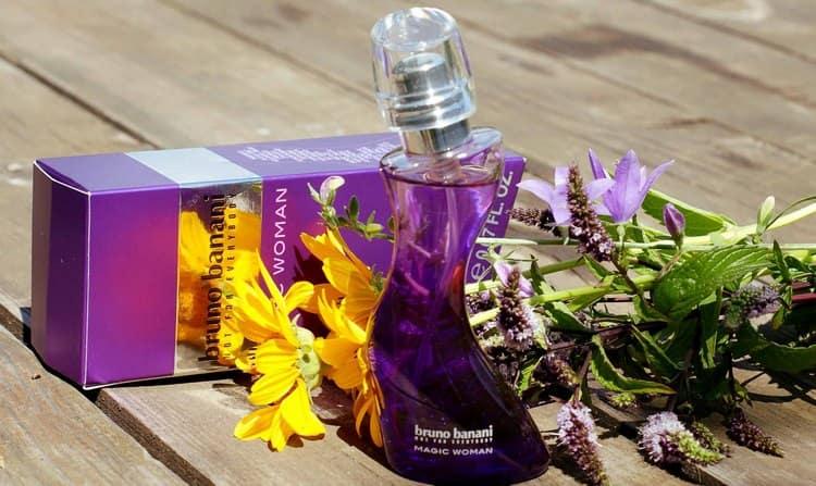 Посмотрите описание самого популярного аромата женских духов от Бруно Банани.