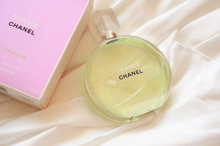 Духи Шанель Шанс Фреш это прекрасный свежий аромат, который подойдет для лета.