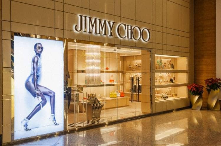 Женские духи Джимми Чу представляют действительно элитную, дорогую линейку ароматов.