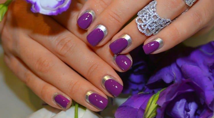 гармонично выглядит фиолетовый маникюр с серебром.