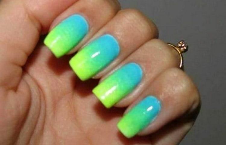 Зелено-голубой градиент поможет выглядеть ярко.