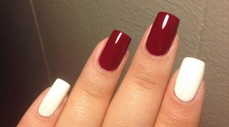 Красный с белым маникюр можно делать и на короткие, и на длинные ногти.