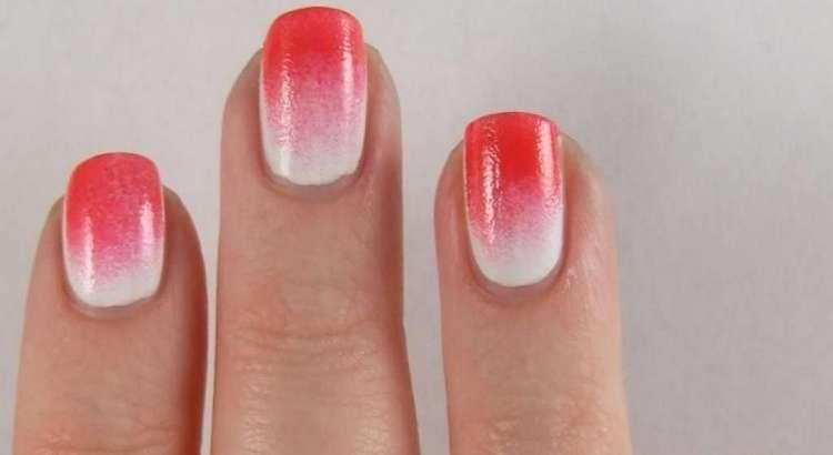 Красное-белый маникюр омбре можно делать даже на короткие ногти.