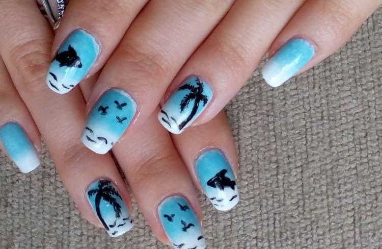 Пальмы на ногтях это всегда актуально, если вы едете на морское побережье.
