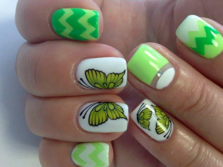 Посмотрите у нас также видео о том, как сделать маникюр бабочка пошагово.