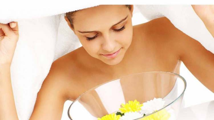 Важно помнить о том, что перед нанесением надо хорошо распарить кожу.