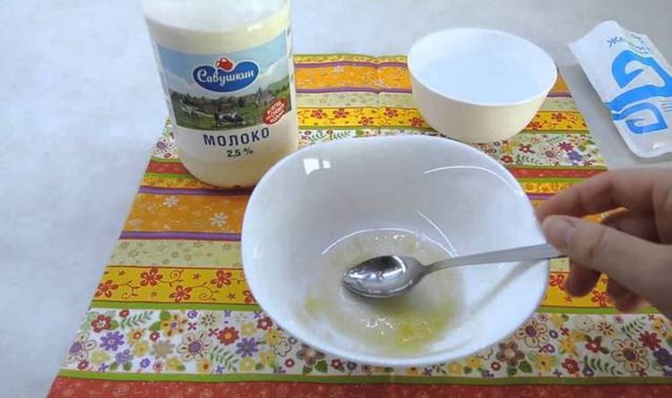 маски для лица против морщин можно делать на молоке.
