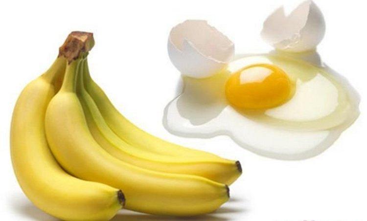 В маску из банана для лица от морщин можно также добавить яйцо.
