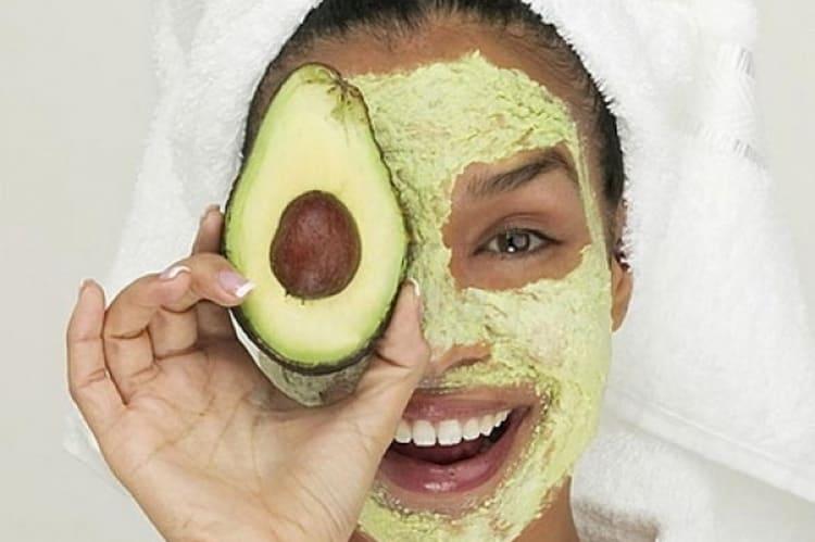 Популярностью пользуется и маска из авокадо для лица от морщин.