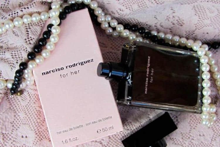 Прочтите также описание аромата духов Нарциссо Родригес For Her.