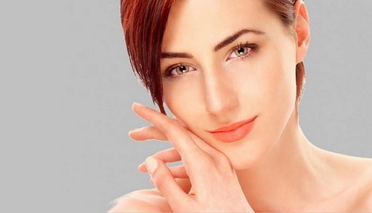 Такая процедура, даже проведенная в домашних условиях, поможет устранить много проблем кожи лица.