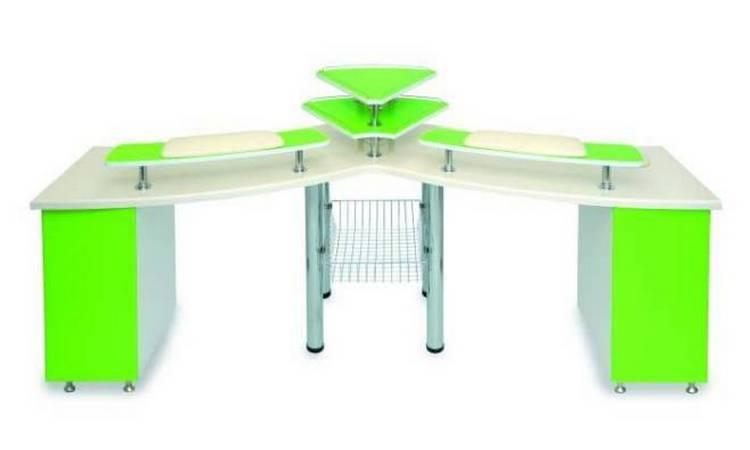 Вот еще один вариант такого стола.