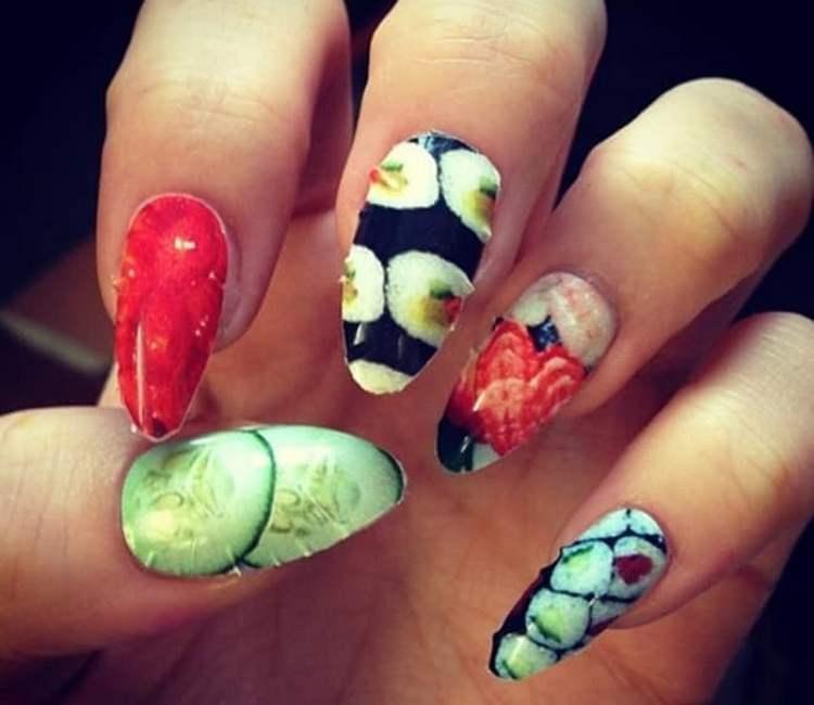 Джорджия Мей Джеггер, видимо, решила перенести свою любовь к суши на ногти.