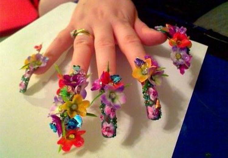 "А как вам такая ""прелесть"" на ногтях?"