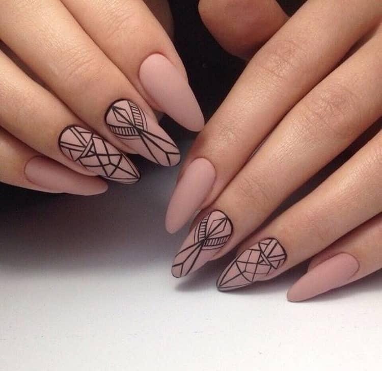 Матовый маникюр на острые ногти