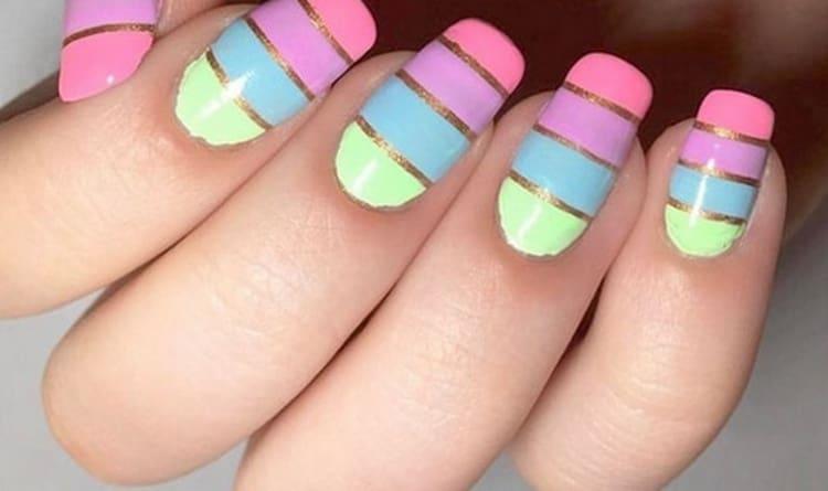 Мягкая пастель на ногтях выглядит очень красиво.