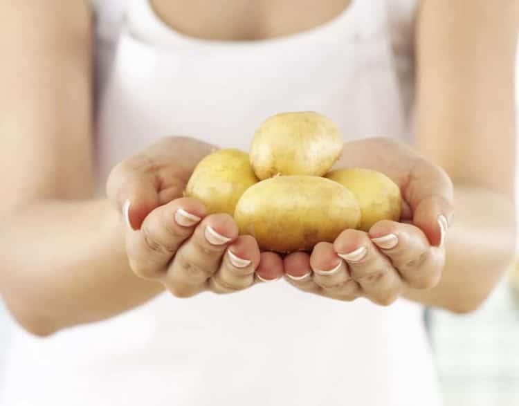 Как готовится маска из картофеля для лица