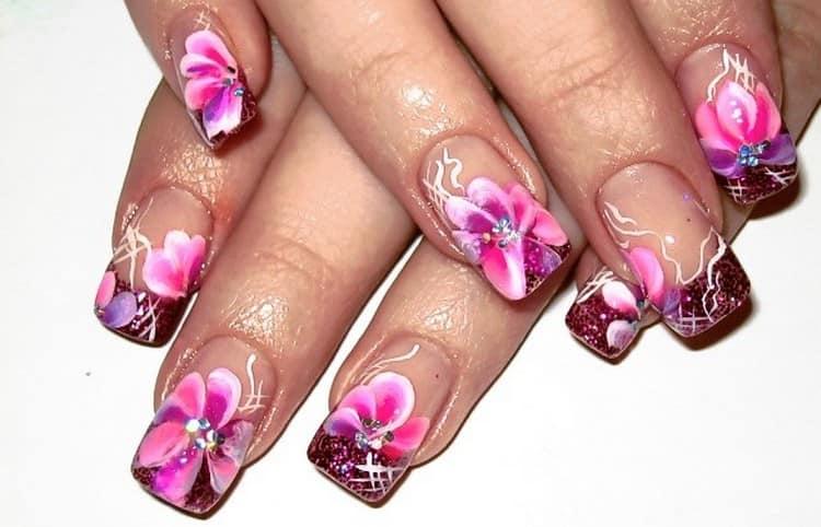 Еще один вариант аквариумного дизайна на средней длине ногтей.