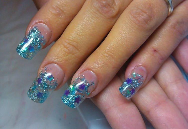 важно не только понимать, что такое аквариумный дизайн ногтей, но и знать, как его правильно делать.