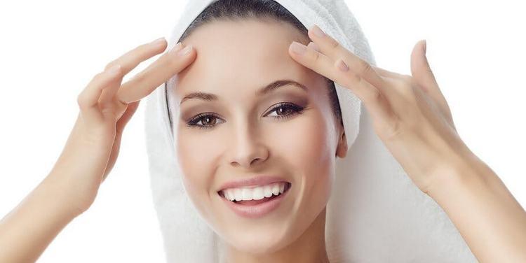 Уход за кожей после атравматической чистки лица должен быть тоже тщательным.