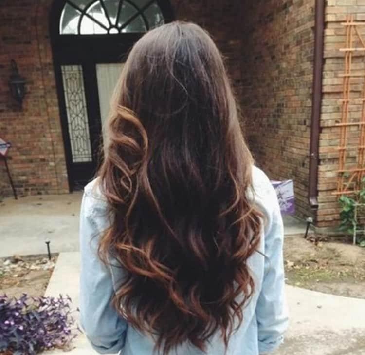 На длинных волосах такую технику можно продемонстрировать во всей красе.