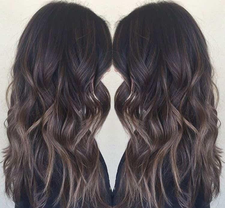 Посмотрите фото окрашивания в технике балаяж на темные волосы.