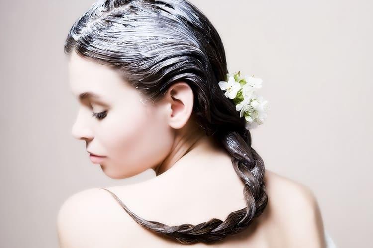 перед проведением такой процедуры очень важно привести волосы в порядок, чтобы не повредить их.