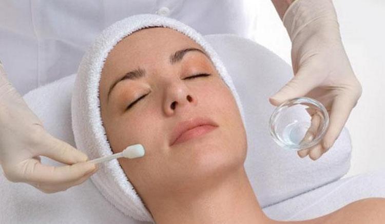 Узнайте, где сделать чистку лица у косметолога в Москве.