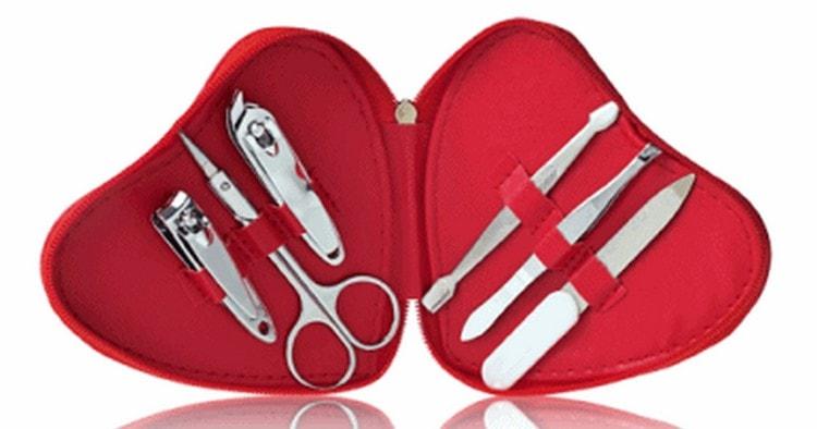 Узнайте, какие инструменты нужны для наращивания ногтей.