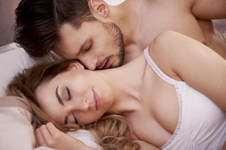 Дева девушка и Рыба мужчина проявляют хорошую совместимость в сексуальных отношениях.