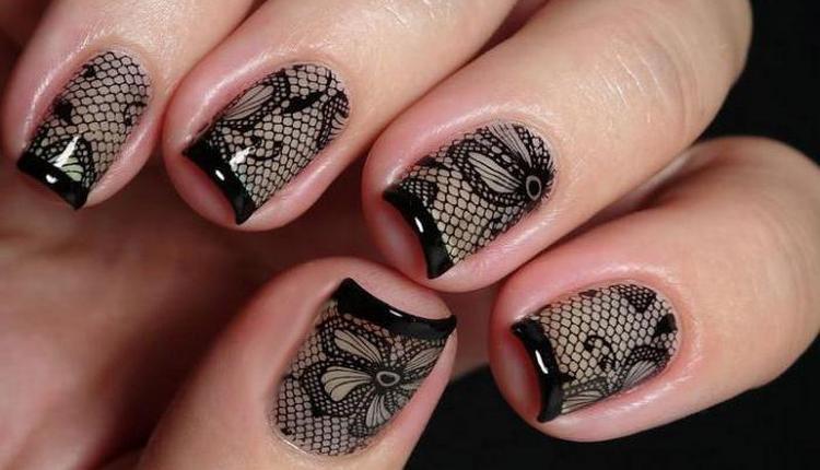 А вот еще одна оригинальная черная вуаль на ногтях.