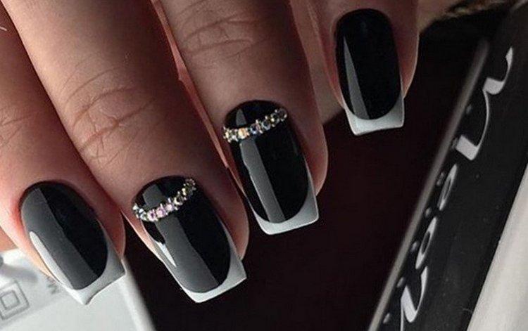 Посмотрите фото красивого дизайна ногтей черный френч.