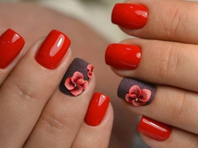 Посмотрите фото новинок дизайна ногтей на короткие ногти.