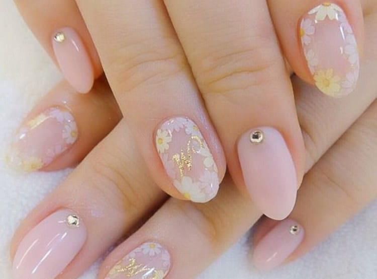 А вот фото летнего дизайна ногтей на короткие ногти.