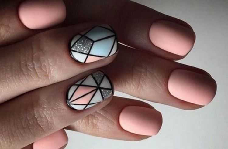 Нюдовые тона можно использовать как фон для геометрических рисунков.